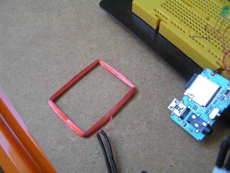 [Imagen: hardware-parlanchina-antena.jpg]